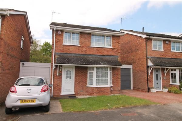 Thumbnail Detached house for sale in Hollyberry Close, Winyates Green, Redditch