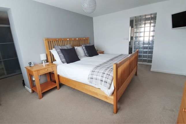 Master Bedroom of Barons Close, Leicester LE9