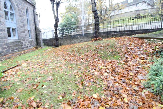 Garden of Caledonian Court, Ferryhill AB11
