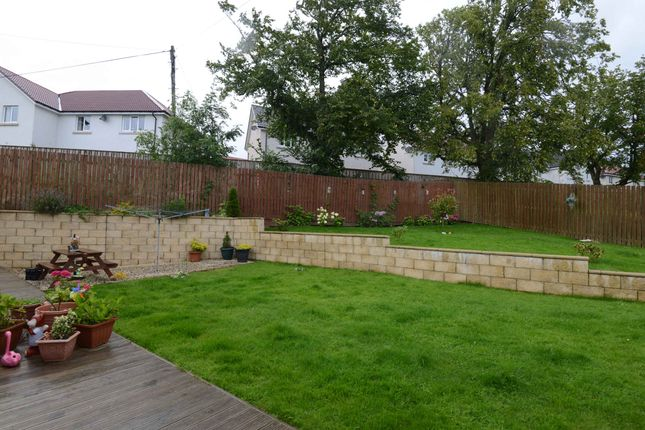 Gardens of Crookedshields Road, Nerston Village, East Kilbride G74