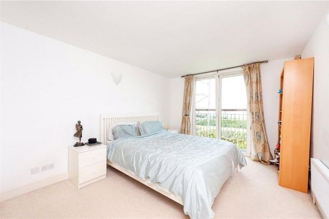 Thumbnail Flat to rent in Waterman Building, Westferry Road, London