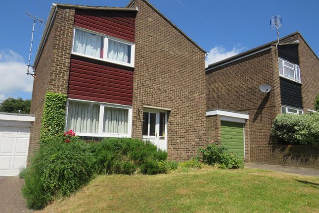 Thumbnail Property to rent in Cubitts Close, Digswell, Welwyn