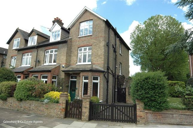 6 bed property for sale in Manor Court Road, Golden Manor, Hanwell, London