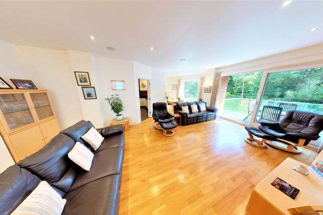 Thumbnail Flat for sale in Yewtree Road, Calderstones