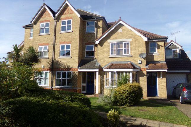 6 bed property to rent in Nightingale Shott, Egham, Surrey