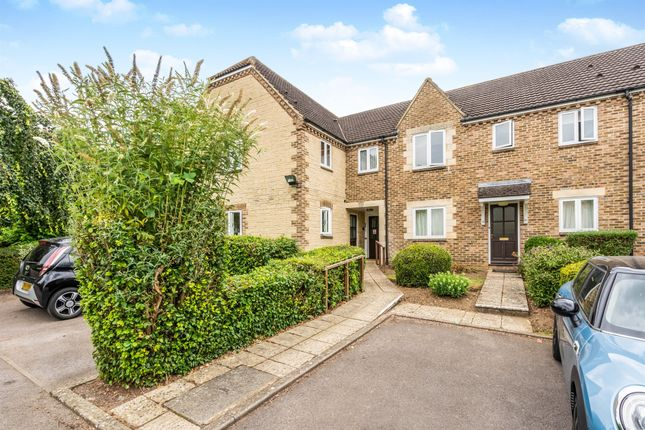 Thumbnail Flat for sale in Kelham Hall Drive, Wheatley, Oxford