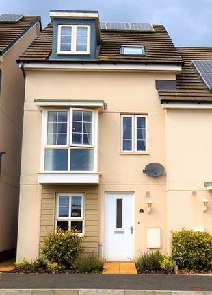 Thumbnail Town house to rent in Sand Grove, Exeter