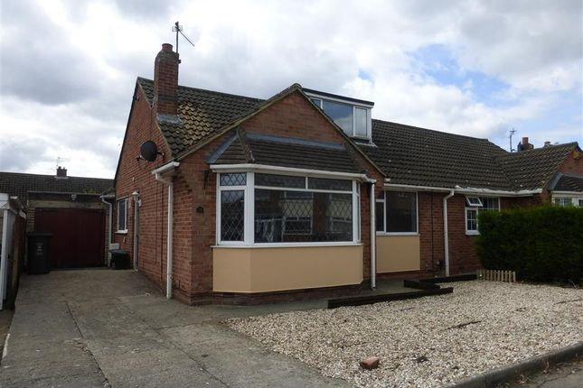 Thumbnail Bungalow to rent in Queensfield, Swindon