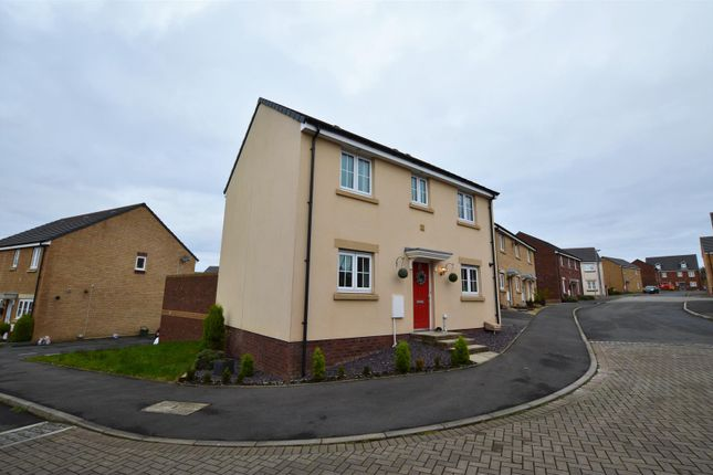 Thumbnail Detached house for sale in Lonydd Glas, Llanharan, Pontyclun