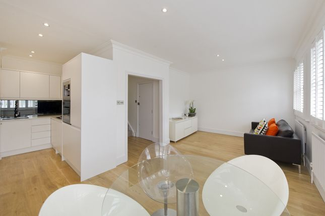 Thumbnail Maisonette to rent in Ladbroke Gardens, London