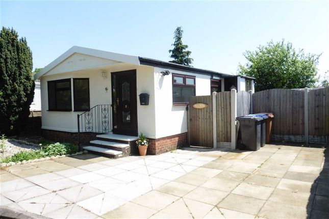 Thumbnail Mobile/park home for sale in Springfield Park, Wykin Road, Hinckley