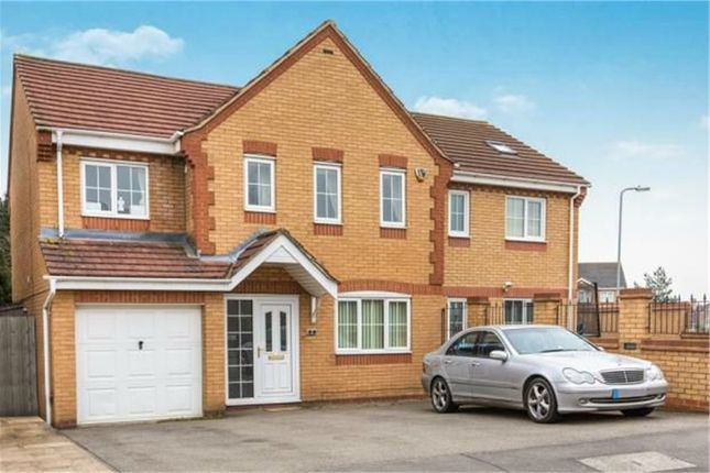 Thumbnail Detached house for sale in Evesham Close, Wellingborough, Northamptonshire