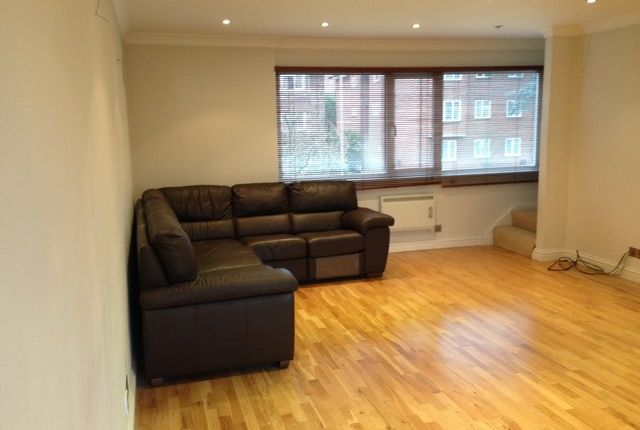 Thumbnail Flat to rent in Ashburton Road, Addiscombe, Croydon