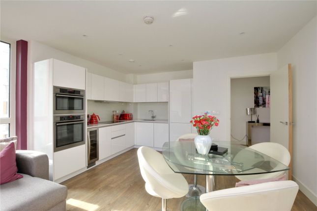 Picture No. 10 of Lariat Apartments, 36 Cable Walk, Greenwich, London SE10
