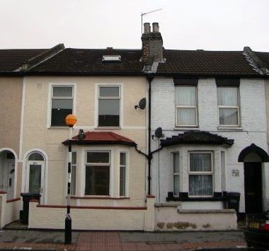 Property to rent in Whitehorse Road, Thornton Heath