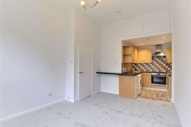 Thumbnail Flat to rent in Sinclair Road, Kensington