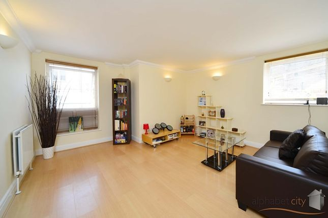 Thumbnail Flat for sale in Rich Street, London