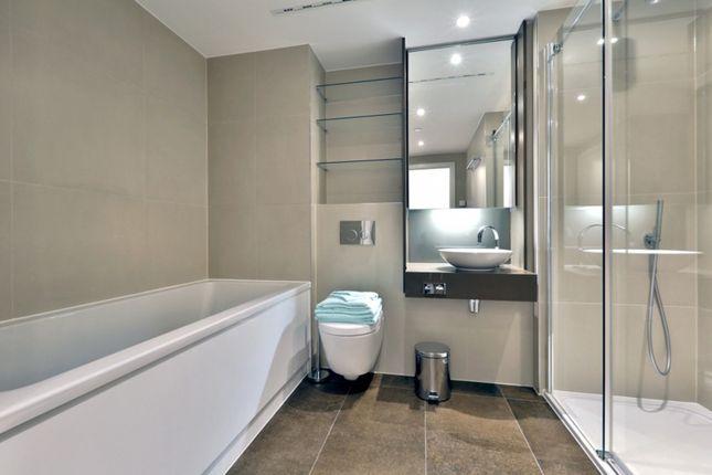 Bathroom of Book House, City Road EC1V