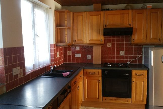 Thumbnail Town house to rent in Blackwell Close, Harrow