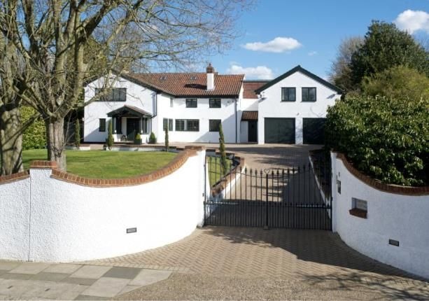 Thumbnail Detached house for sale in Crofton Avenue, Orpington