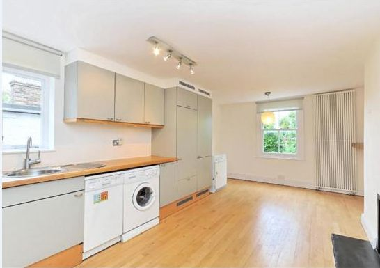3 bed flat to rent in Gladys Road, West Hampstead