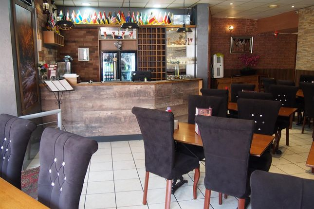 Thumbnail Restaurant/cafe for sale in Restaurants LS2, West Yorkshire