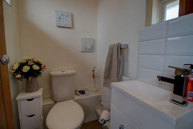 Guest WC of Dunster Grove, Perton, Wolverhampton WV6