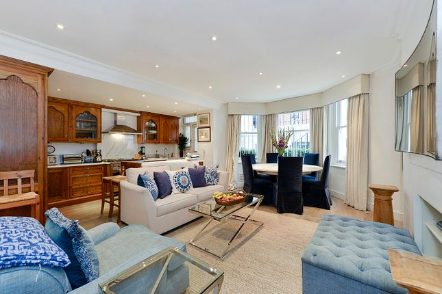 Thumbnail Flat to rent in Cadogan Square, London