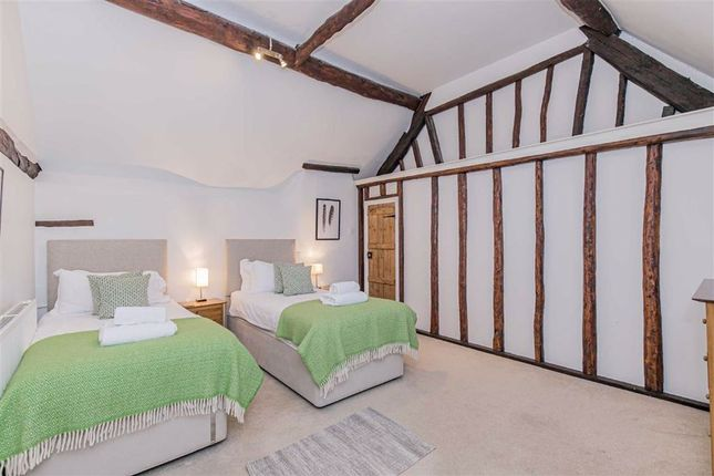 Bedroom 2 of High Street, Burford, Oxfordshire OX18