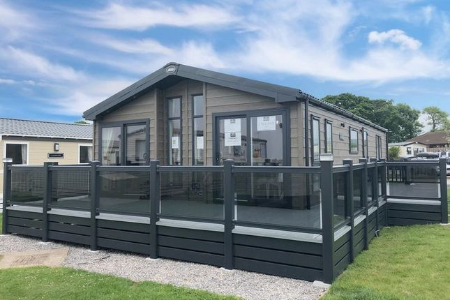 Thumbnail Lodge for sale in Blue Anchor, Minehead