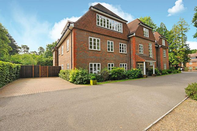 Thumbnail Flat for sale in Sunningdale, Berkshire