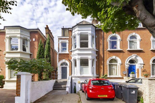 Avenue Crescent, London W3