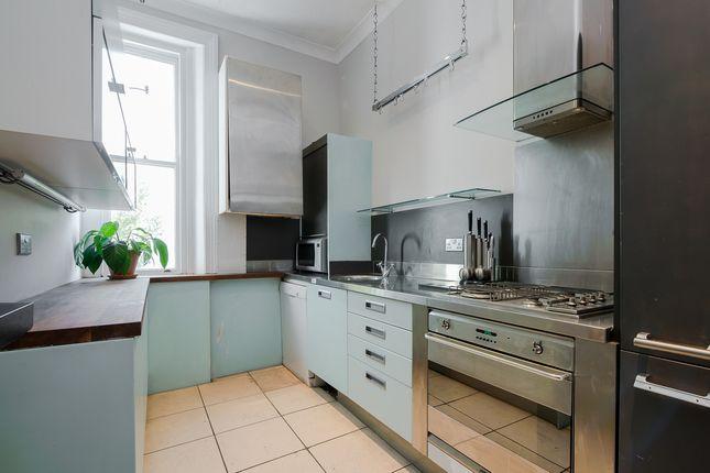3 bed flat to rent in Ladbroke Grove, London
