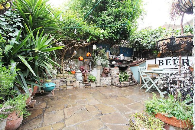 Thumbnail Terraced house for sale in Mayall Road, London, London