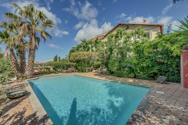 8 bed property for sale in Marseille, Bouches Du Rhone, France