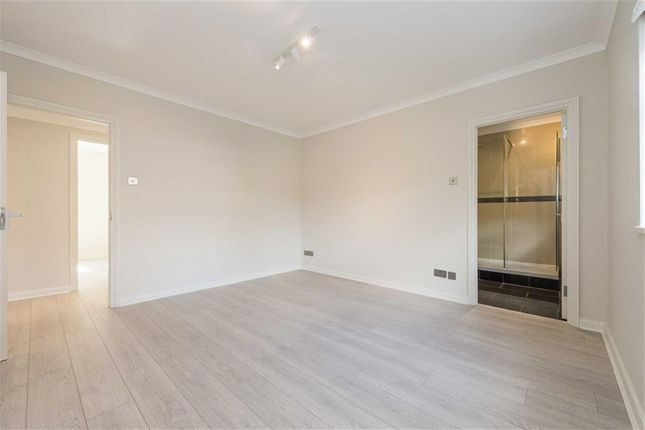 Thumbnail Flat for sale in Somerset Square, London