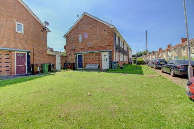 Thumbnail Flat for sale in Hordern Grove, Wolverhampton