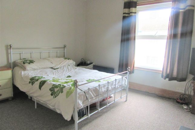 Bedroom 1 Front of Seago Street, Lowestoft NR32