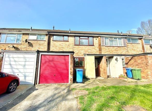 Thumbnail Terraced house to rent in Buckland Close, Farnborough