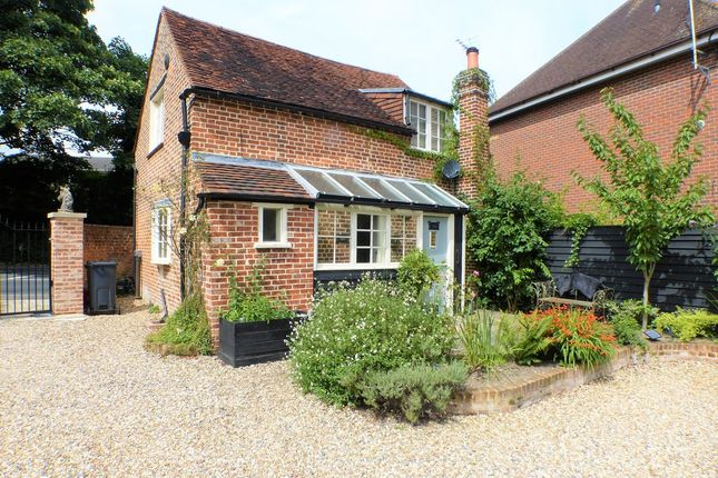 Thumbnail Cottage to rent in Shenfield Road, Shenfield, Brentwood