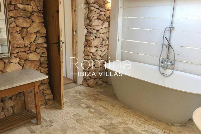 Bathroom of Santa Gertrudis De Fruitera, Ibiza, Balearic Islands, Spain