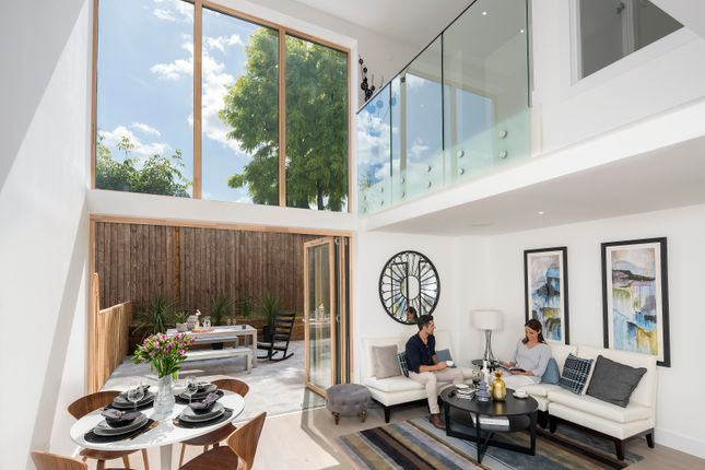 Thumbnail Town house for sale in Brackenbury Road, London