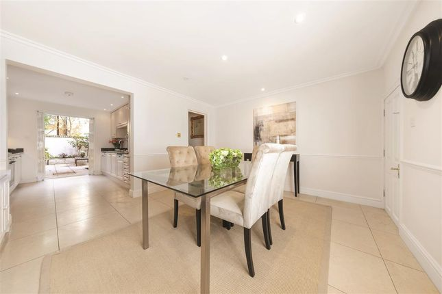 Thumbnail Terraced house for sale in First Street, London