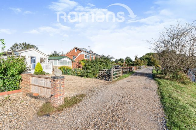 Thumbnail Detached house to rent in River Gardens, Purley On Thames, Reading