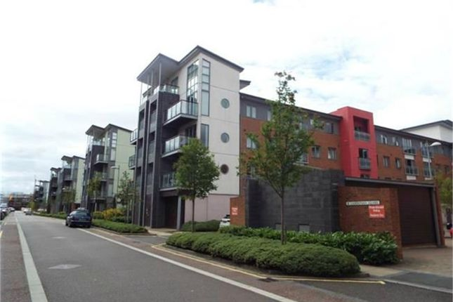Thumbnail Flat for sale in Cameronian Square, Worsdell Drive, Gateshead, Tyne And Wear