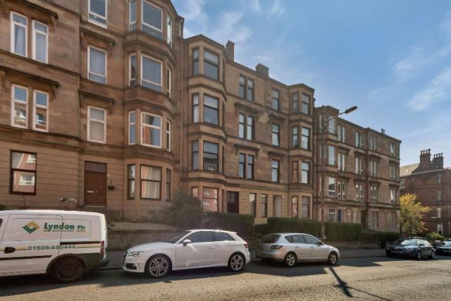 2 bed flat to rent in Whitehill Street, Dennistoun, Glasgow, 2Lr
