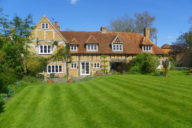 Thumbnail Semi-detached house to rent in Spring Cottages, Charvil Lane, Sonning
