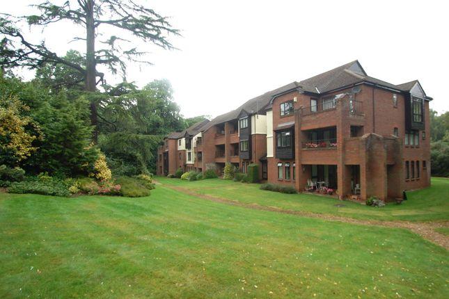 4 bed flat for sale in Raylands Mead, Gerrards Cross, Buckinghamshire SL9