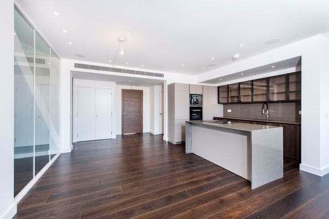 Thumbnail Flat for sale in Penthouse Centre Heights, Hampstead, London