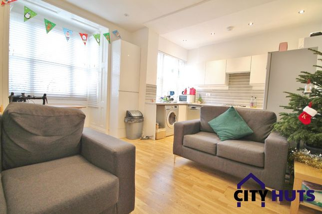 Flat to rent in Conewood Street, London